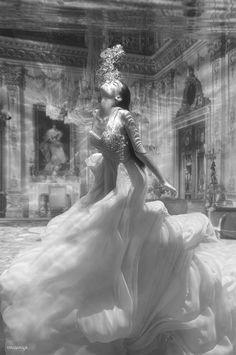 magical Victoria Mona Fashion art photography style Adolfo Vásquez Rocca