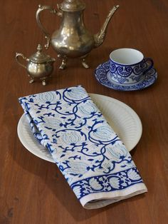 Blue white Cotton Napkins, Blue floral Cloth Napkins, white blue
