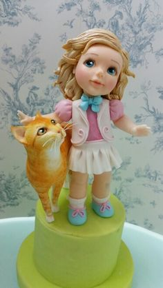 Girl with a  cat. Sugarpaste