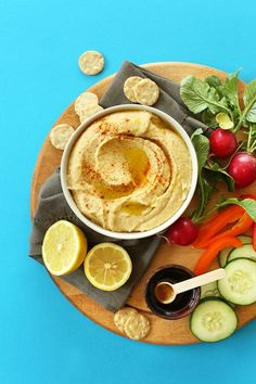 BEST EVER 5 Minute Microwave Hummus! The trick that gives you creamy restaurant-style hummus every time. I can't sotp eating it! #vegan #glutenfree