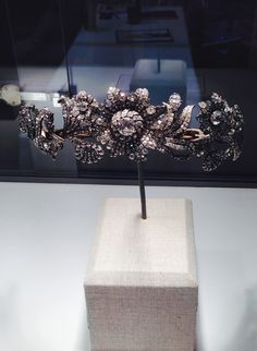 The Post Diamond Tiara, a.k.a., the Methuen family tiara, purchased for the Smithsonian by Marjorie Merriweather Post.  The flowers are mounted en tremblant.