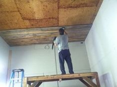 How to add a Wood Ceiling DIY Tutorial Wood Ceilings, Ceiling Beams, Wood Plank Ceiling, Ceiling Decor, Custom Woodworking, Woodworking Projects Plans, Pallet Ceiling, Wood Planks, Barn Wood