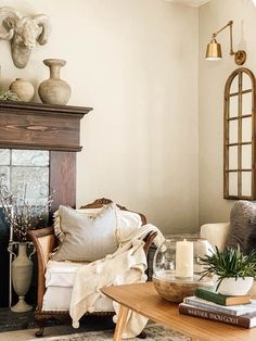 Hygge Living Style Tips – Hallstrom Home Living Room Inspiration, Home Decor Inspiration, Farmhouse Decor, Farmhouse Style, Hygge Home, Diy Home, French Decor, Home And Living, Danish Living Room