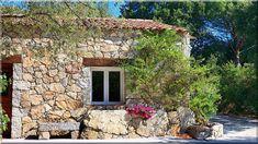 Egyszintes családi ház típustervek Kis családi ház tervek Oldalhatáron álló családi ház tervek Szép házak 5 szobás családi ház tervek Családi ház garázzsal alaprajz Ház tervrajzok ingyen 70 nm ház alaprajz (Szép házak, lakások, 9) Provence, Pergola, Patio, Outdoor Decor, Sign, Home Decor, Farm Cottage, Cottage Chic, Lawn And Garden