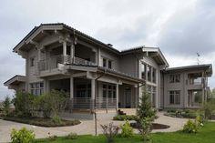 Большой деревянный дом из клееного бруса, но без ярко выраженных дизайнерских элементов. 44 проекта.. http://syndyk.by/photoreportage/doma/derevyannie_doma_55_arhitekturnih_resheniy-19767.html