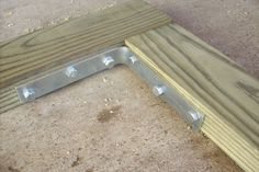 Building a Fence Gate: I provide a basic overview of building a wooden gate for a privacy fence. Building A Wooden Gate, Wooden Fence Gate, Patio Fence, Driveway Gate, Pool Fence, Backyard Fences, Fenced In Yard, Backyard Door, Fence Gates