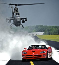 Top Gear USA Premiers - Photo - Rut & Tanner in the Viper