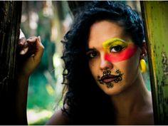 No sábado, 5, a vocalista do Sandália de Prata rouba a cena: Ully Costa faz show no teatro do Sesc Santo Amaro, às 20h, com ingressos a até R$ 16, no qual apresenta seu trabalho solo.