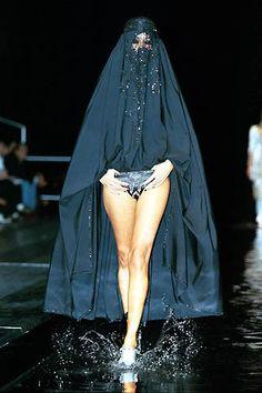 Alexander McQueen ss 2000 'Eye'                                                                                                                                                                                 More