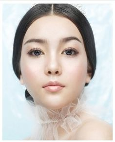 49 ideas wedding make up bridal makeup glowing skin Asian Makeup Looks, Asian Eye Makeup, Bridal Makeup Looks, Bride Makeup, Wedding Hair And Makeup, Girls Makeup, Hair Makeup, Korean Wedding Makeup, Asian Makeup Tutorials