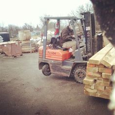 A quick study in #forklift physics