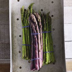 What to do with asparagus Wine News, Wine Recipes, Asparagus, Porn, Kitchens, Studs