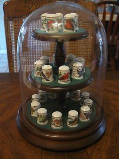 Franklin Mint Song Birds Of The World Thimbles On Wooden Display In Round Dome Franklin Mint, Button Art, Sewing Tools, Pin Cushions, Vintage Furniture, Snow Globes, Thimble, Vintage Games, Display