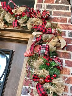 Buffalo plaid garland rustic farmhouse for front door, garland for farmhouse - rustic farmhouse front door Country Christmas Decorations, Christmas Lanterns, Christmas Porch, Farmhouse Christmas Decor, Christmas Tree Themes, Christmas Centerpieces, Plaid Christmas, Outdoor Christmas, Rustic Christmas