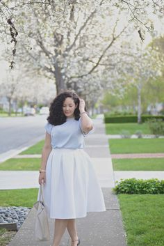 (plus size curvy) White Skirt, Ruffle Top, Stud Flats