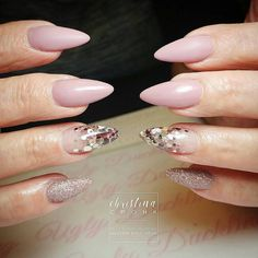 """2,985 Likes, 5 Comments - Ugly Duckling Nails Inc. (@uglyducklingnails) on Instagram: """"Pretty nails by Ugly Duckling Master Educator @christinacronk14 ✨Ugly Duckling Nails page is…"""""""