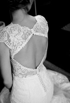 robe mariage dentelle Fils en C. photo limaginart