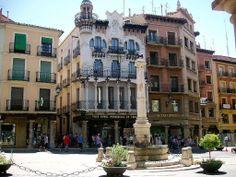 Plaza del Torico, Teruel, Aragón. A que es preciosa