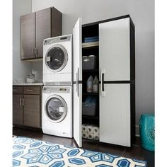 Garage Laundry Rooms, Laundry Room Layouts, Laundry Room Storage, Garage House, Laundry Room Design, Utility Room Storage, Mud Room Garage, Garage Office, Garage Gym