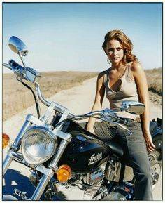 Bikes And Girls - http://www.youmotorcycle.com                                                                                                                                                     Plus