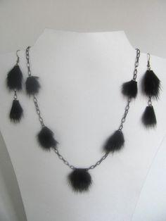 Bijoux fourrure, ensemble collier et boucles d'oreilles, chaînes et vison noir_30$