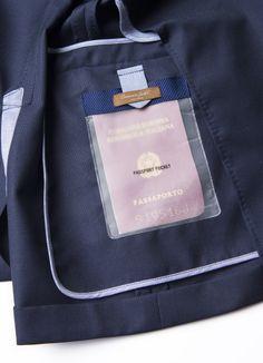 #ConnemaraJacket  è la novità di #AngeloNardelli .E' un blazer pensato per chi viaggia, #leggera, #idrorepellente, #antimacchia ed #ingualcibile.Con tasche studiate per i documenti, un cappello anti pioggia nascosto e il sacchetto con le istruzioni come packaging. #Jacket #WaterRepellent #StainResistant and #uncreasable #Giacca #Connemara #PittiImmagineUomo #PittiUomo #Pitti #Firenze #Florence #moda #uomo #man #novità #innovation