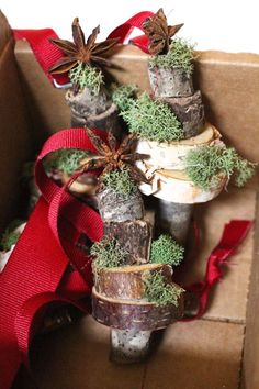 DIY+Stacked+Wood+and+Moss+Slice+Christmas+Ornament
