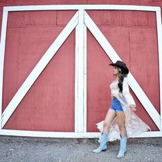 A beautiful barn for a backdrop…YES PLEASE! ⠀⠀⠀⠀⠀⠀⠀⠀⠀ Hat Name: Women's Hollywood Cowboy Hat Hat Color: Black ⠀⠀⠀⠀⠀⠀⠀⠀⠀ Influencer: @nikkiluv.xo ⠀⠀⠀⠀⠀⠀⠀⠀⠀ #hollywood #americanhatmakers #hollywoodhat #cowboyhat #cowboy #barn #womenshat #womensfashion #womensstyle #photooftheday #boots #barndoor #redbarn #lace #americanhatmakers #americanhatcompany #americanhats #americanhat #ahmfamily #hatlover Cowgirl Hats, Hats For Women, Backdrops, Color Black, Barn, Hollywood, Boots, Womens Fashion, Beautiful