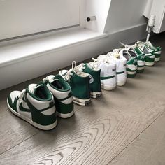 Sneakers Fashion, Shoes Sneakers, Swag Shoes, Aesthetic Shoes, Aesthetic Green, Fresh Shoes, Hype Shoes, Custom Shoes, Swagg