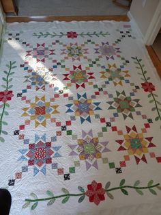 Flower Applique Quilt Block Patterns | the border of the quilt, and put them coming off of the applique ...