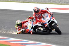MotoGP Argentina 2016. Iannone & Dovizioso last turn crash. Ducati GP16.