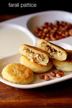 farali pattice recipe with step by step photos – farali patties is a gujarati recipe that is made during fasts. crisp potato patties stuffed with a sweet-tangy coconut-dry fruits stuffing. Yummy Snacks, Snack Recipes, Cooking Recipes, Yummy Food, Fast Recipes, Banana Recipes, Yummy Recipes, Cooking Tips, Dessert Recipes