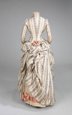1885 Culture: American Medium: silk, rhinestones, metal Dimensions: Length at CB (a): 23 in. cm) Length at CB (b): 43 in. 1880s Fashion, Edwardian Fashion, Vintage Fashion, Antique Clothing, Historical Clothing, Historical Costume, Vintage Gowns, Vintage Outfits, Dress Vintage