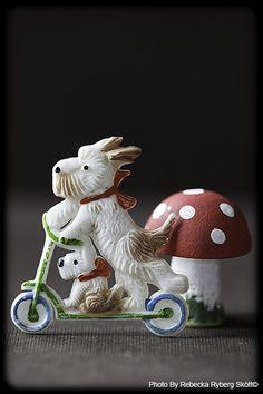 https://i.pinimg.com/236x/20/e5/4f/20e54fb1aaf200b06ca52d469f0e02a0--vintage-fairies-westies.jpg