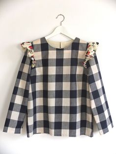 La boutique des grandes Sew Your Own Clothes, Diy Clothes, Boutique, Emma Love, Girl Fashion, Womens Fashion, Used Iphone, Asian Style, Baby Sewing