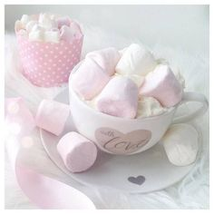 Image discovered by ℓυηα мι αηgєℓ ♡. Find images and videos about cute, beautiful and sweet on We Heart It - the app to get lost in what you love. Aesthetic Food, Pink Aesthetic, Pretty Pastel, Pastel Pink, Kawaii Cooking, Pink Images, Pink Foods, Strawberry Milk, Cute Desserts