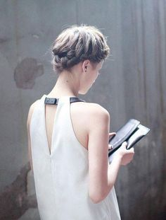 I love everything about this look - the minimalist styling and side french braid are so good!