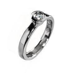 Diamond engagement ring. Beautiful and strong wedding ring by KorusDesign