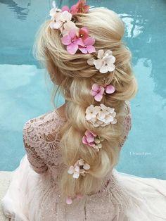 Ulyana Aster Long Wedding Hairstyles & Wedding Updos / http://www.deerpearlflowers.com/romantic-bridal-wedding-hairstyles/