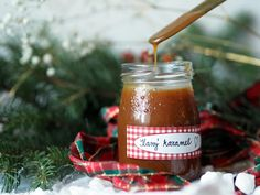 JEDLÉ DÁRKY: SLANÝ KARAMEL Diy Christmas Gifts, Hot Sauce Bottles, Nutella, Diy And Crafts, Food And Drink, Homemade, Cooking, Inspiration, Recipes