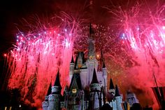 This is a great photo showing the fireworks over Cinderella's Castle.  Just beautiful!  (yfrog Photo : http://yfrog.com/nl7q7j )