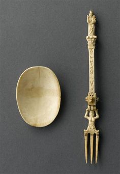 !6th century ivory folding fork with attachable spoon bowl