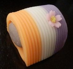 "Japanese Sweets,""wagashi"", 花衣 Hana goromo - Flower on the kimono"