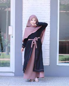 Muslim Dress, Hijab Dress, Moslem Fashion, Muslim Women Fashion, Beautiful Muslim Women, Casual Hijab Outfit, Latest Ankara Styles, Hijab Fashion Inspiration, Indian Gowns