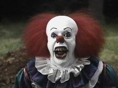 Pennywise's hair in 'It' was Tim Curry's real hair. | 34 Facts About Scary Movies That Will Blow Your Mind