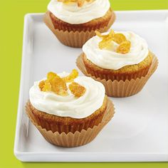 Yum! These sweet cornbread cupcakes with honey butter cream are the perfect treat for a spring or summer backward party.