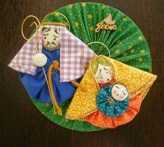 69 Ideas For Patchwork Sin Agujas Manualidades Christmas Nativity, Felt Christmas, All Things Christmas, Christmas Ornaments, Baby Patchwork Quilt, Crazy Patchwork, Diy Craft Projects, Diy Crafts, Holiday Crafts
