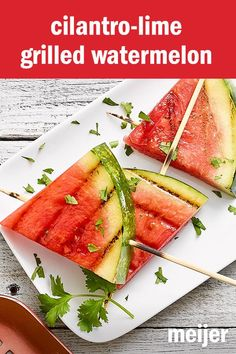 Turn that after-picnic treat into a succulent side off the grill. Grilled watermelon actually becomes a bit meaty and loses its granular texture. Two slices are ready in 15 minutes. Summer Grilling Recipes, Healthy Grilling, Summer Recipes, Healthy Snacks, Healthy Eating, Grilling Tips, Grilled Watermelon, Grilled Fruit, Grilled Desserts