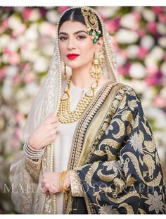Muslim Brides Who Wore The Most Stunning Wedding Outfits Ever Pakistani Wedding Outfits, Bridal Outfits, Pakistani Dresses, Indian Dresses, Indian Outfits, Wedding Hijab, Hijab Bride, Nikkah Dress, Pakistan Wedding