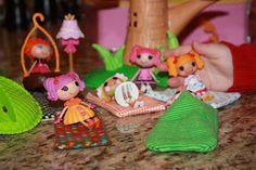 Ucreate with Kids: La La Loopsy Sleeping Bag Tutorial by JujuB (beginning sewing for S)